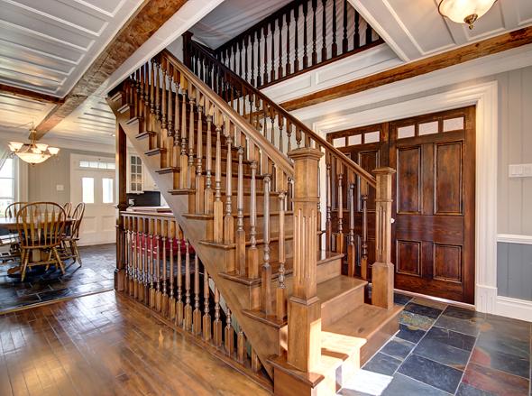 R alisation pour maison ancestrale les escaliers de beauce for Les plus beaux escaliers interieur
